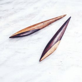 mini-palms-hairstick-close-up-front-view