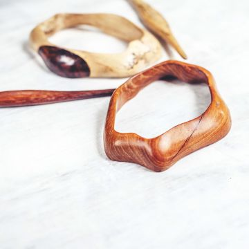 moonflower-hairslide-tamarind-teak-side-view